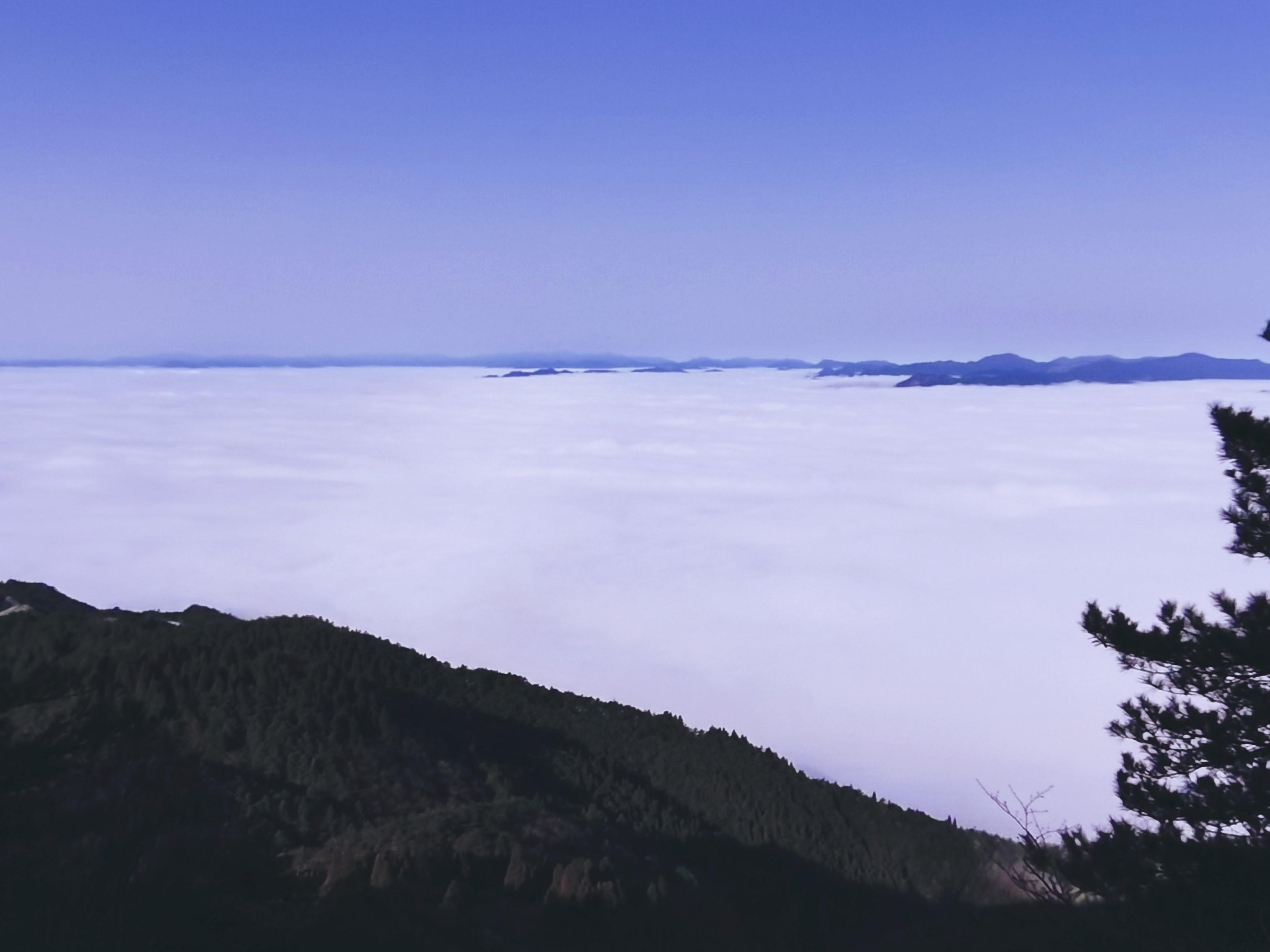 赴一场云上温柔 答应我 来敕木山看日出好吗?